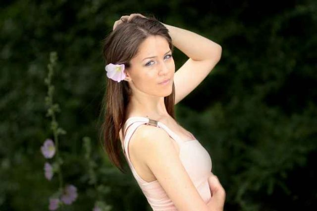 girl-1499511_1280-640x426